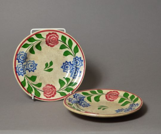 Small pair of hand painted & sponged plates